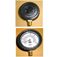"2.5"" 15PSI LOWER MOUNT GAUGE WITH RUBBER PROTECTOR"