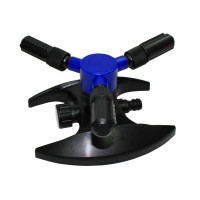 ROTARY 3-ARM PLASTIC SPRINKLER ON PLASTIC BASE